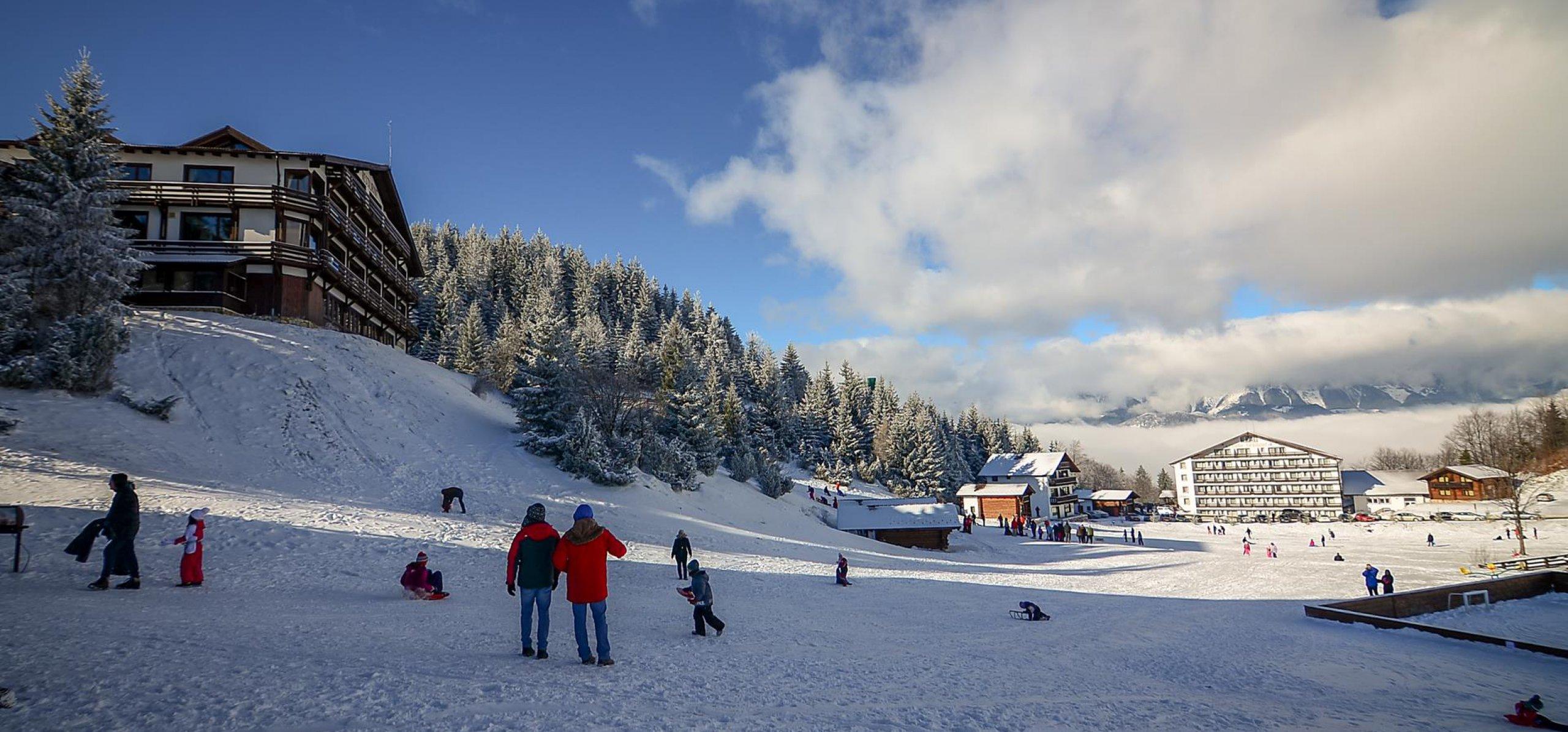 instructor-sporturi-de-iarna-pentru-copii
