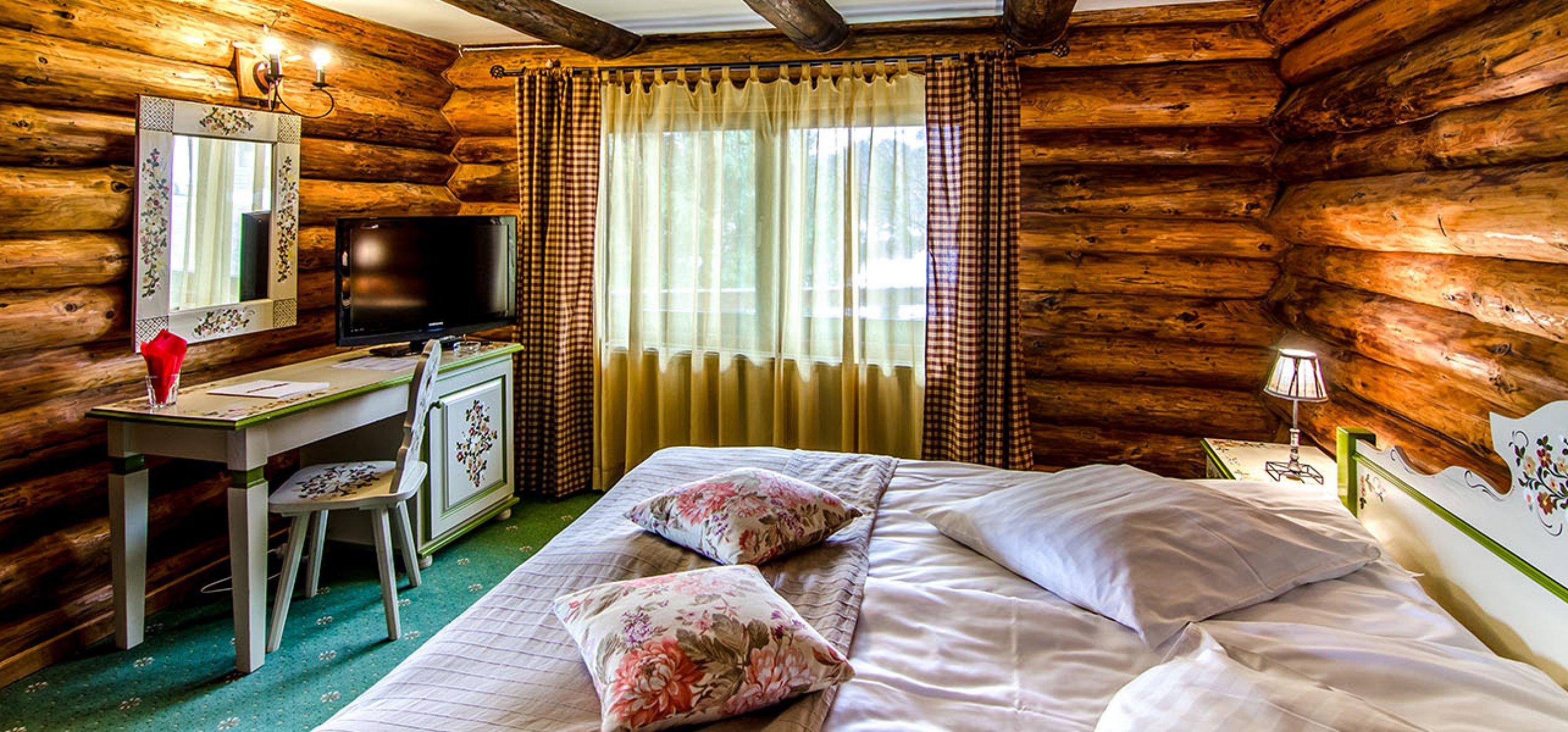 camera-dubla-matrimoniala-luminoasa-vila-carpenul-cheile-gradistei-fundata