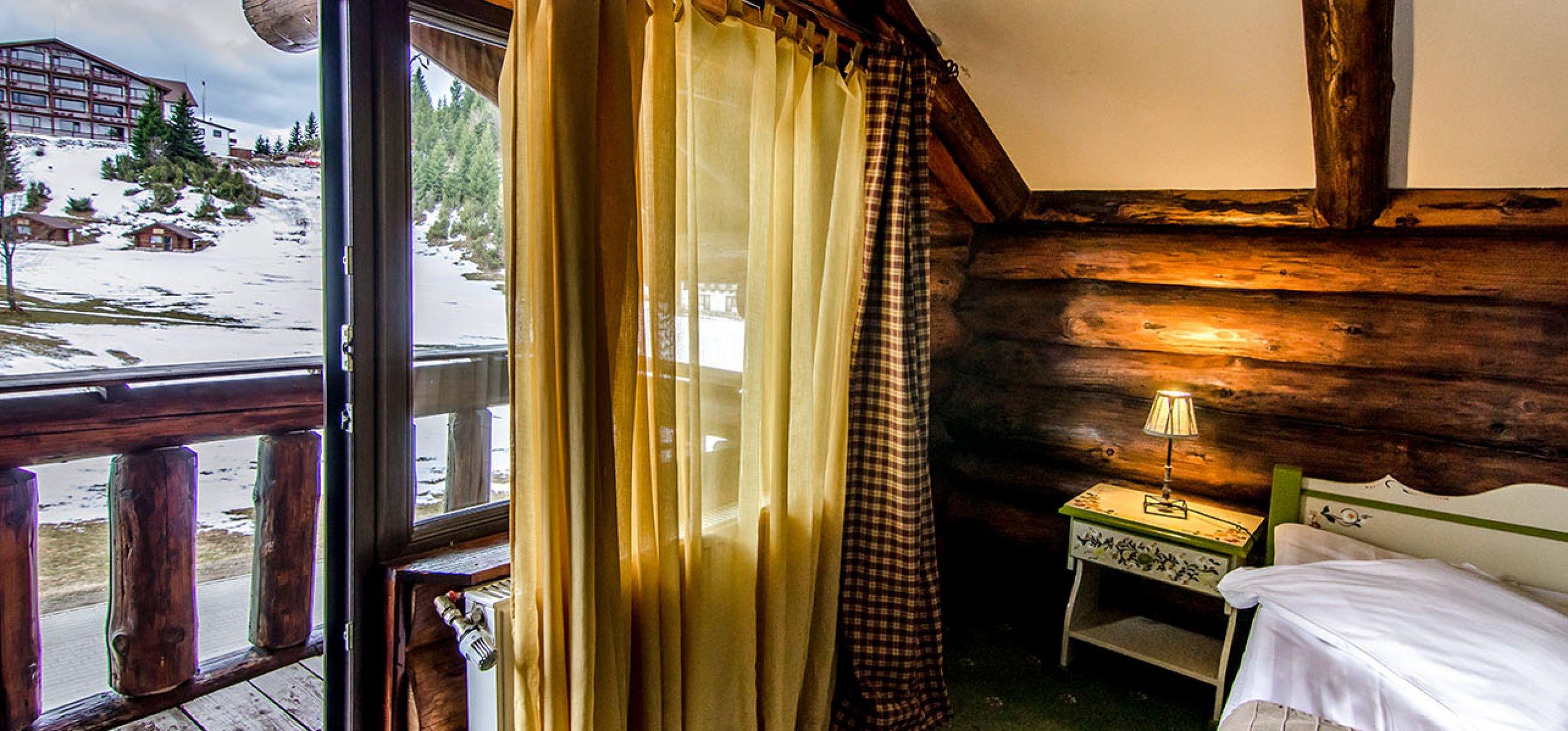 panoramic-camera-dubla-matrimoniala-vila-frasinul-cheile-gradistei-fundata