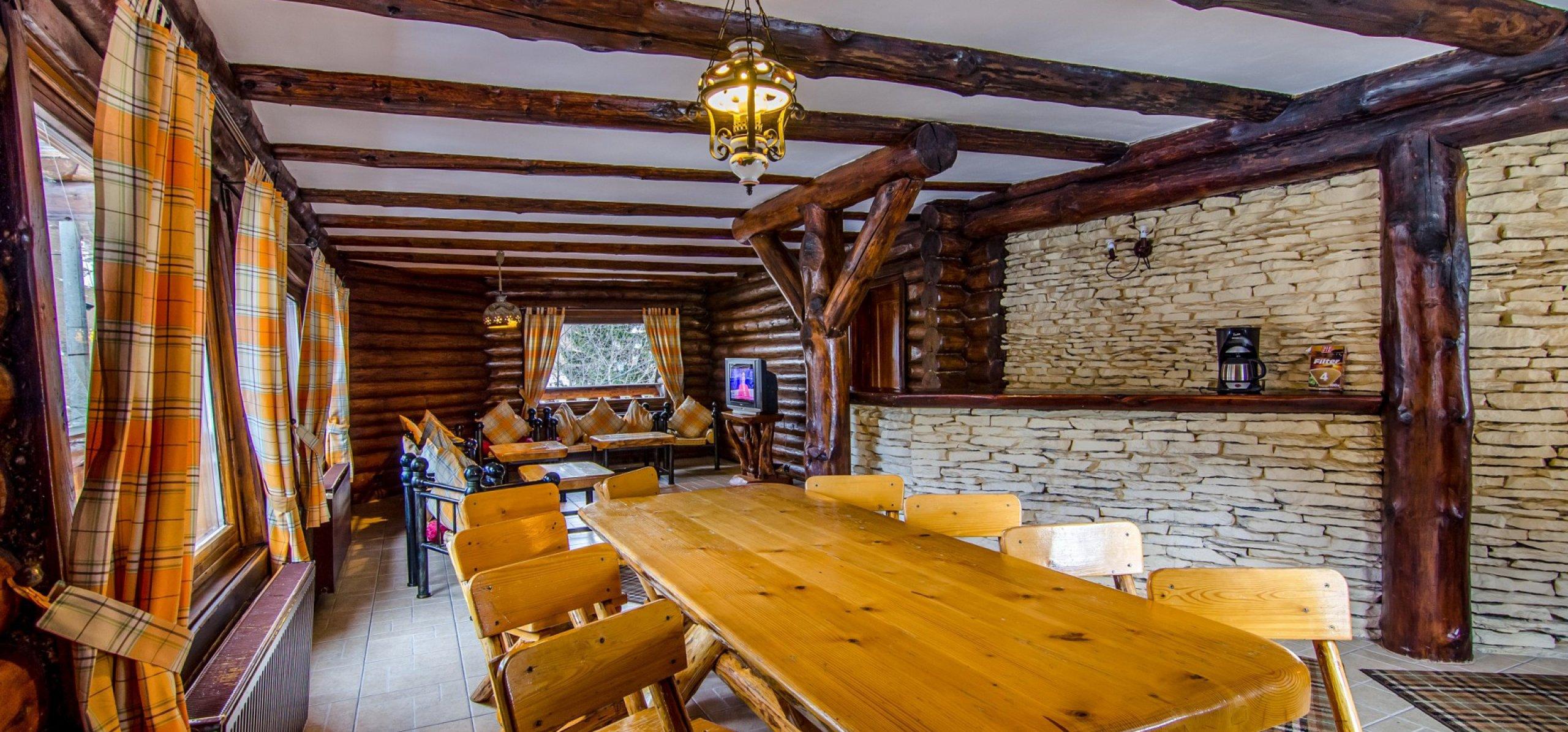 living-vila-de-lemn-cazare-in-moeciu