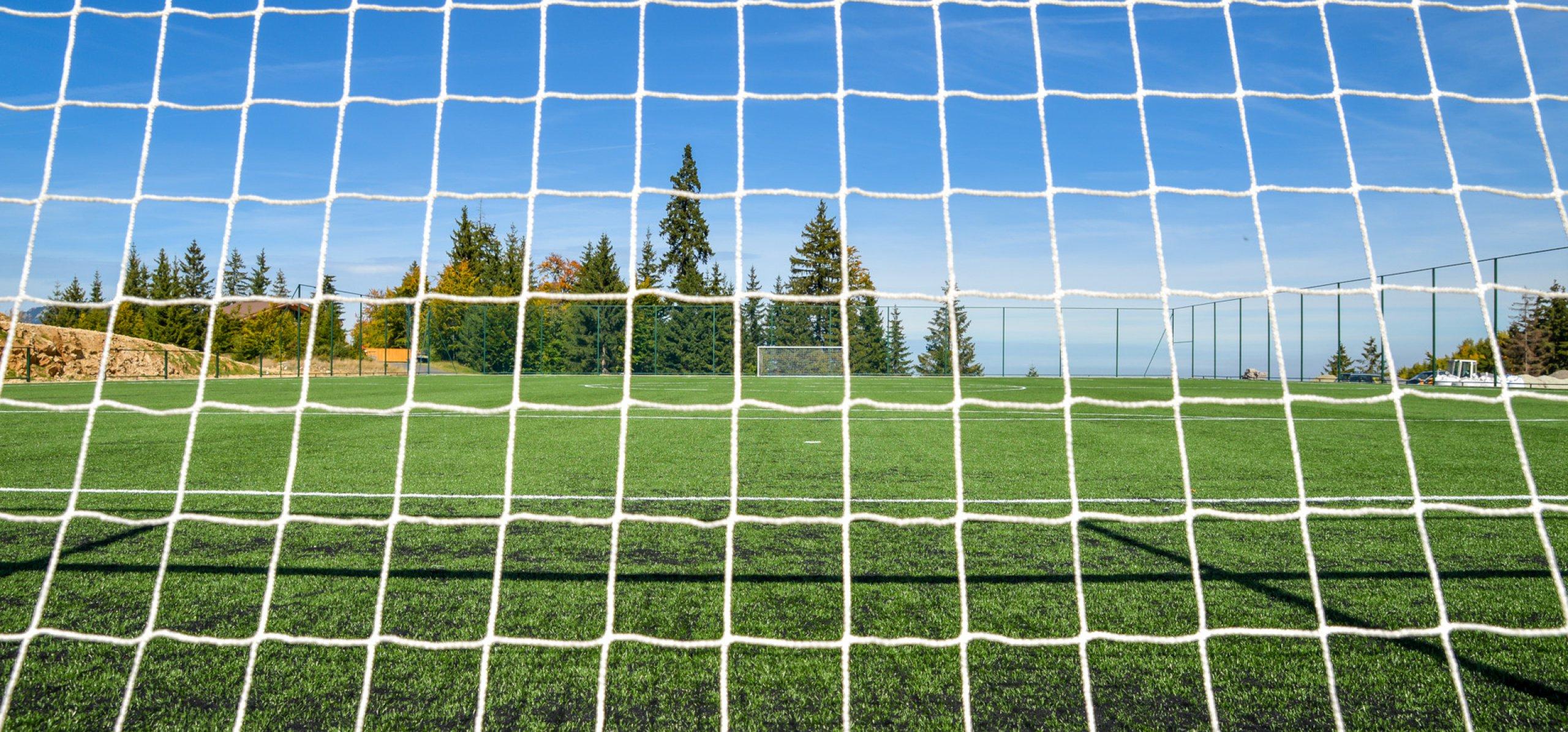 teren-sport-peisaj-montan-baza-sportiva-cheile-gradistei-1